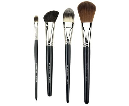 1 Inch Angled Rouge  Contour Brush 01